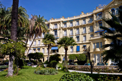 Apartment for sale in BEAULIEU-SUR-MER  - 3 rooms - 74 m²