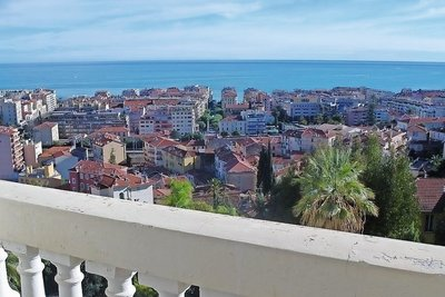 Apartment for sale in MENTON  - 3 rooms - 98 m²