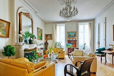 Apartment for sale in BORDEAUX  - 8 rooms - 200 m²