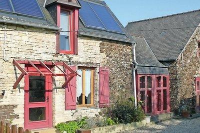 DINAN- Maison à vendre - 8 pièces - 180 m²