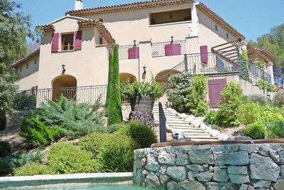 Maison à vendre à MALLEMORT  - 10 pièces - 300 m²