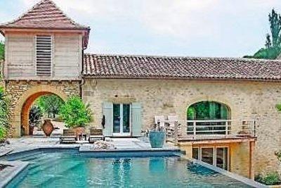 BEAUMONT- Maison à vendre - 10 pièces - 550 m²