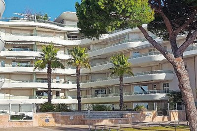 Apartment for sale in FREJUS  - 2 rooms - 49 m²