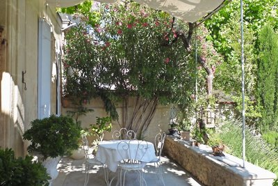 House for sale in ST-REMY-DE-PROVENCE  - 7 rooms - 300 m²