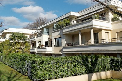 Apartment for sale in ECULLY  - 5 rooms - 137 m²