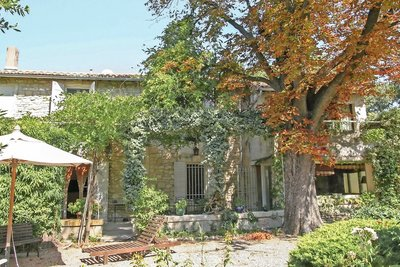House for sale in ST-REMY-DE-PROVENCE  - 7 rooms - 200 m²