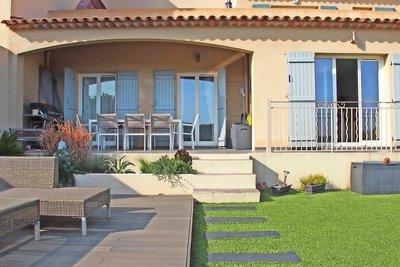 House for sale in ROQUEBRUNE-SUR-ARGENS  - 3 rooms - 76 m²