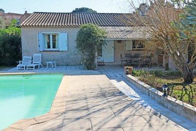 House for sale in ROQUEBRUNE-SUR-ARGENS  - 5 rooms - 102 m²