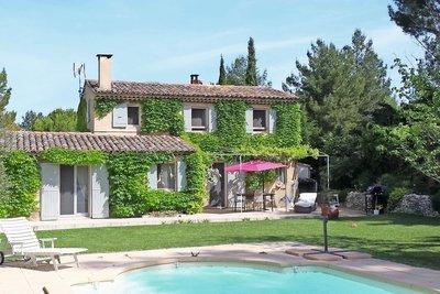 Maison à vendre à ST-CANNAT  - 6 pièces - 145 m²