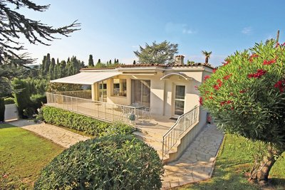 House for sale in MOUGINS  - 4 rooms - 138 m²