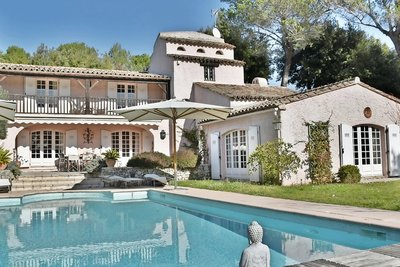House for sale in GRASSE  - 6 rooms - 220 m²