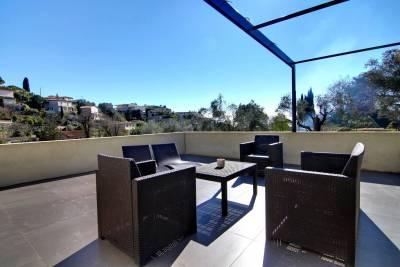 - 5 rooms - 180 m²