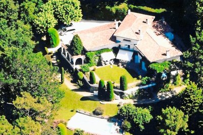 ST-JEAN-DE-LUZ- House for sale - 10 rooms - 350 m²