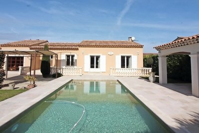 House for sale in ST-REMY-DE-PROVENCE  - 6 rooms - 140 m²