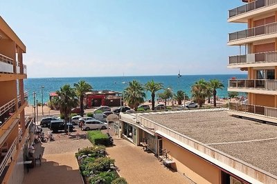 Apartment for sale in FREJUS  - 3 rooms - 64 m²