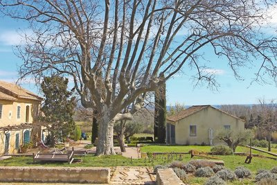 House for sale in ST-REMY-DE-PROVENCE  - 9 rooms - 400 m²