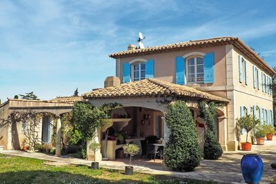 House for sale in ST-REMY-DE-PROVENCE  - 6 rooms - 250 m²