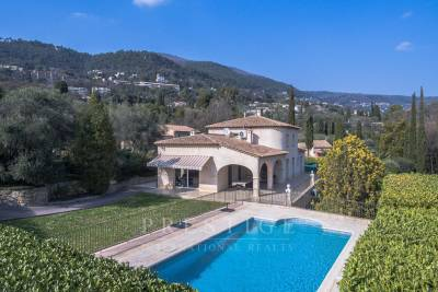 House for sale in GRASSE  - 7 rooms - 231 m²