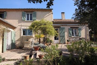 ST-SATURNIN-LÈS-APT - Houses for sale