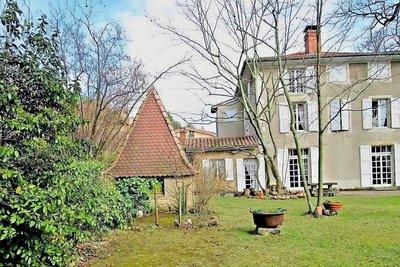 ST-DONAT-SUR-L'HERBASSE- Maison à vendre - 13 pièces - 406 m²