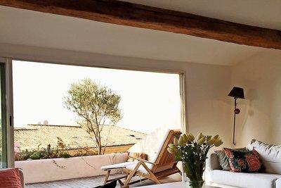 Apartment for sale in AIX-EN-PROVENCE CENTRE VILLE - 3 rooms - 60 m²