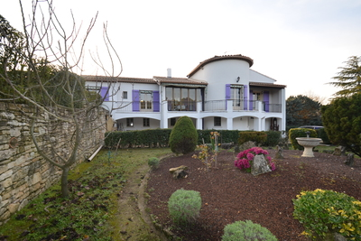Maison à vendre à PLAN-D'ORGON  - 10 pièces - 300 m²