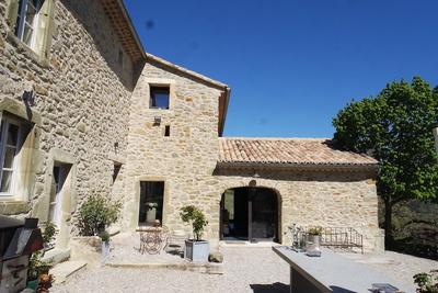 Maison à vendre à LE POET CELARD  - 6 pièces - 300 m²