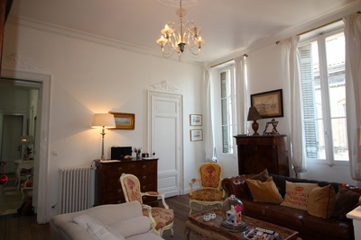 Apartment for sale in BORDEAUX  - 8 rooms - 158 m²
