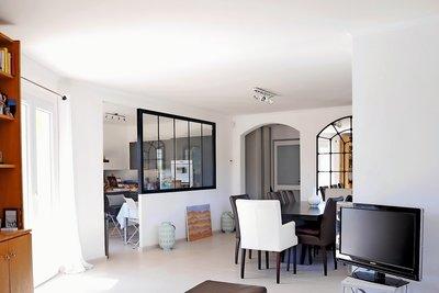 Maison à vendre à CHATEAUNEUF-LE-ROUGE  - 7 pièces - 200 m²
