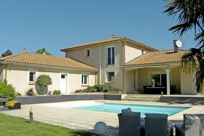 Maison à vendre à LENTILLY  - 10 pièces - 250 m²