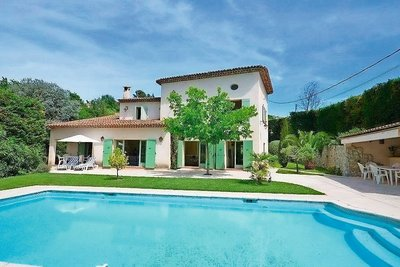 Maison à vendre à ST-PAUL-DE-VENCE  - 6 pièces - 200 m²