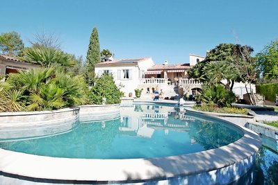 House for sale in VAISON-LA-ROMAINE   - 250 m²