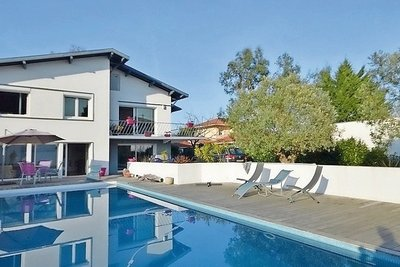 House for sale in ANGLET  - 7 rooms - 210 m²