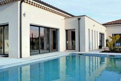 RUOMS- Maison à vendre - 6 pièces - 220 m²