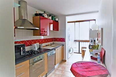 Apartment for sale in AIX-EN-PROVENCE  - 4 rooms - 77 m²