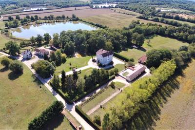 Maison à vendre à VILLARS LES DOMBES  - 15 pièces - 625 m²