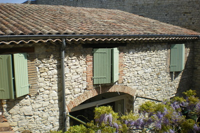 Maison à vendre à SAUZET  - 6 pièces - 200 m²