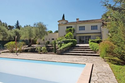 House for sale in GRASSE  - 7 rooms - 260 m²