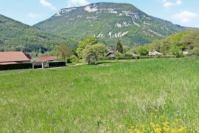terrain à vendre à VIRIEU LE GRAND   - 1085 m²