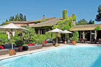 House for sale in ST-REMY-DE-PROVENCE  - 15 rooms - 700 m²