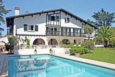 BIARRITZ- House for sale
