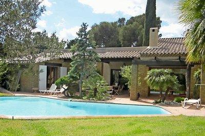 Maison à vendre à CARRY-LE-ROUET  - 6 pièces - 200 m²
