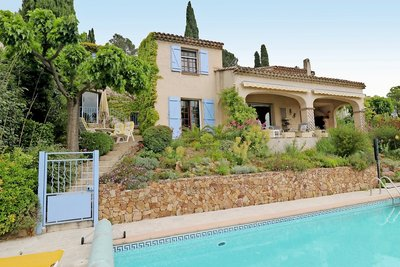 House for sale in ROQUEBRUNE-SUR-ARGENS  - 6 rooms - 175 m²