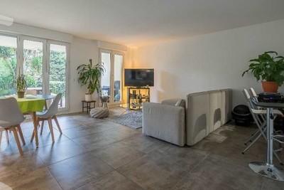 Appartement à vendre à MARSEILLE  8EME  - 3 pièces - 71 m²