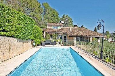 House for sale in MOUGINS  - 7 rooms - 235 m²