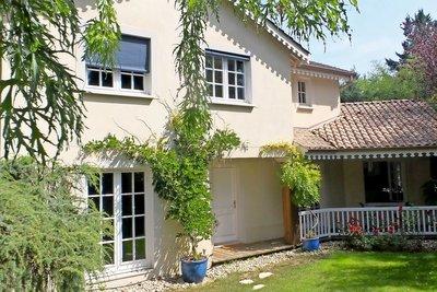 Maison à vendre à ECULLY  - 6 pièces - 153 m²