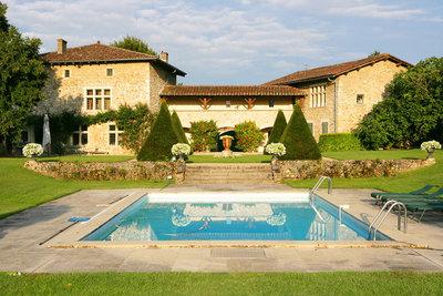 Maison à vendre à MEXIMIEUX  - 15 pièces - 680 m²