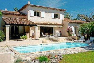 Maison à vendre à MOUGINS  - 6 pièces - 200 m²
