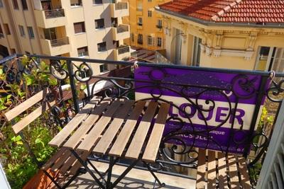 Appartement à vendre à BEAUSOLEIL  - 3 pièces - 65 m²