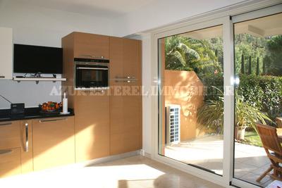 THÉOULE-SUR-MER- Appartement à vendre - 2 pièces - 32 m²